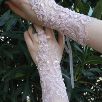 PRIVATEBRIDES Pink French lace gloves, wedding glove, bridal glove, accessories, wedding fashion