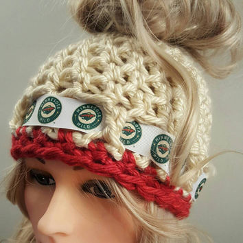 Crochet Wild bun hat. Made by Bead Gs on ETSY.  Ladies Size.