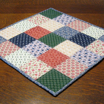 Quilted Table Mat, patchwork square pattern, primitive/country in design and color
