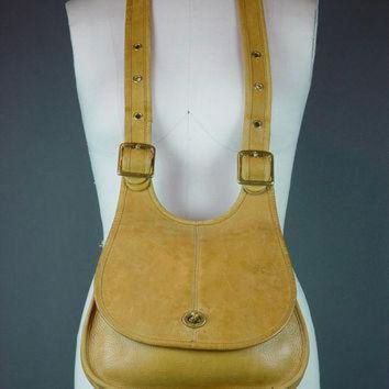 60s Coach Bag Handbag Vintage 1960s Nyc Hippie Crescent Crossbody Caramel Tan - Beauty Ticks