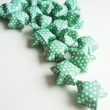 Lucky Origami Stars  GREEN WITH DOTS  for by FrozenNoteSupply