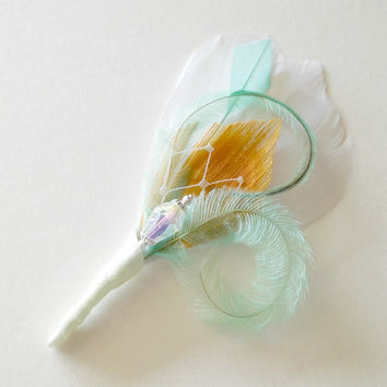 Prom Wedding Groomsmen Boutonniere Mint, Green, Gold and White Peacock Feather Boutonniere Lapel Pin Buttonhole