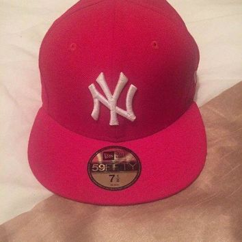CREYONG6 Men's New Era Fitted Flat Peak Cap Hat Baseball Red New York NY
