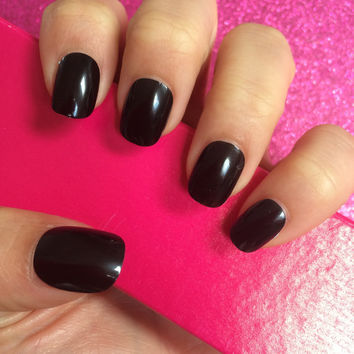 Full Cover Hand Painted False Nails. High Gloss Black Short Petite. 24 Nails