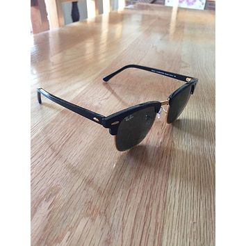 RayBan Ray Ban Clubmaster Sunglasses In Black With Case And Cloth For Men RB3016