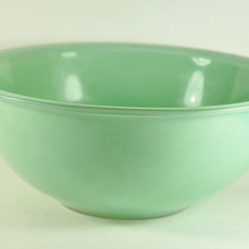 Vintage Green Pyrex 325 25 L Mixing Bowl by LilytheDogVintage