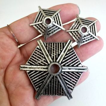 Vintage Abstract Spider Web Silver Tone Pin & Earrings Set Omega Clip 1960s