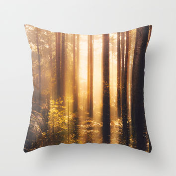 Take me! Throw Pillow by HappyMelvin