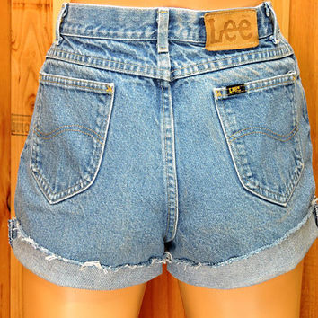"Lee denim shorts / size 5 / 6  / 27"" waist / medium wash high waisted shorts / retro  jean shorts"