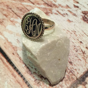 "Silver Round 0.7"" Ring with Rope Accent -add your monogram!"