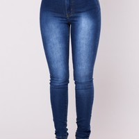 Salem High Rise Jeans - Medium Blue