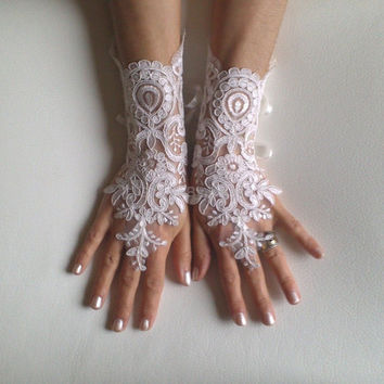 Bridal Gloves, Wedding Gloves, Ivory Lace gloves, Fingerless Gloves, Ivory wedding, cuffs, wedding cuffs, bride, bridal gloves, Bridal cuffs