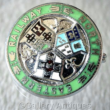 Vintage retro North Eastern Railway Chrome and Enamel Pin / Lapel train Badge c.1980's (ref: 3206)