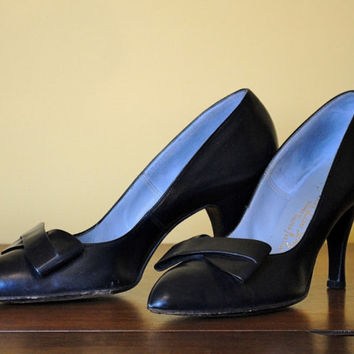 Vintage Heels Blue Leather Shoes Women Bow Accent 1950s 1960s DeLiso Deb Size 8