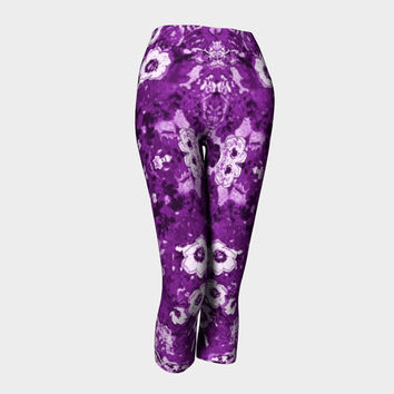 I Dream in Purple, Capri Leggings, Yoga and Fitness, Compression fit performance, sports, gym,activewear, Made in Canada
