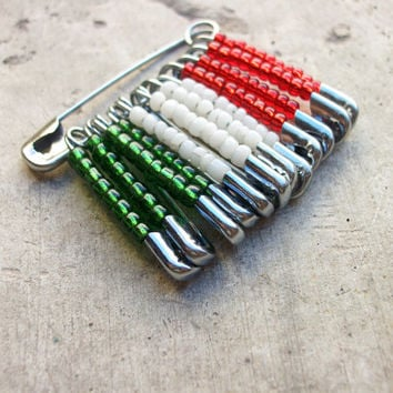 Murano glass beads Italian flag pin, Handcrafted in Venice, Italy, green, white and red Murano beads