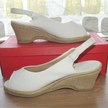 Vintage 60s 40s White Canvas Wedge Heel Sandals Platform Raffia Espadrille Pumps Size 6 Browsabouts by Oomphies Shoes With Box