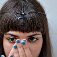 the black crescent moon head chain/head piece
