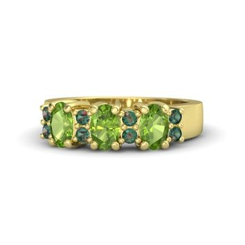 Oval Peridot 14K Yellow Gold Ring with Alexandrite & Peridot