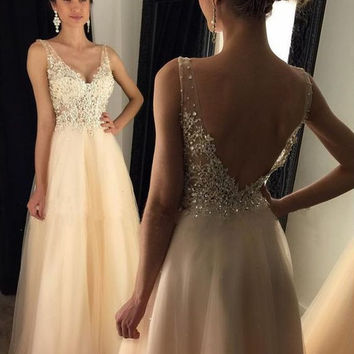 2017Sexy V-Neck A-line Beige Organza Backless Long Prom Dresses With Lace Appliques Crystal Beaded Evening Gowns vestido de fest