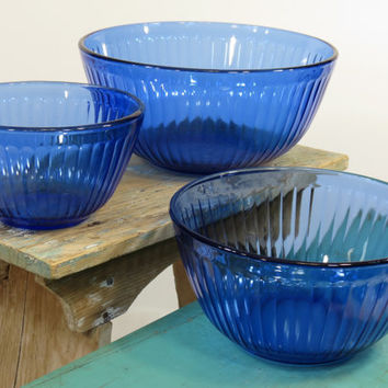 Pyrex Sculptured Cobalt Blue Glass Mixing Bowls Set of 3 Nested
