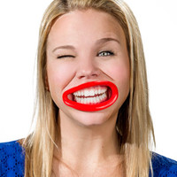 Hyperlips: Show off your teeth in a hilarious way!