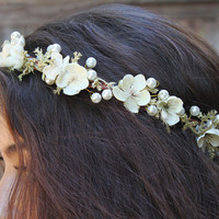 Pearl and Gold Leaf Bridal Crown. Pearl and Flower, Gold and Pearl Bridal Headpiece, Floral Crown, Bridal Hair Piece, Tiara