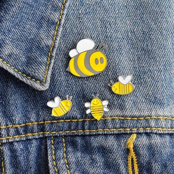 Trendy 4pcs/set Enamel animal pins Smiling honey bee insect brooch Denim Jacket Pin Buckle Shirt Badge Animal jewelry Gift for kids AT_94_13