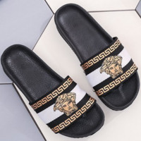 Hermes 2018 summer new style sandals female flat slippers wear casual beach shoes white/black