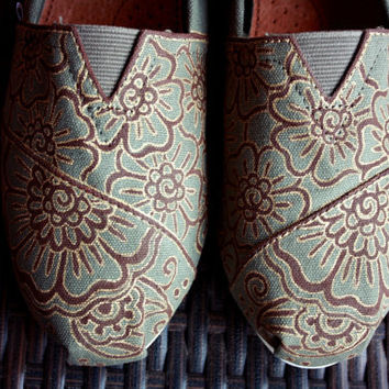 Women - Henna Custom Painted TOMS Shoes