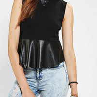 Urban Outfitters - Silence + Noise Sport Drop-Waist Muscle Tee