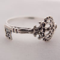 Skeleton Key Ring in Sterling Silver