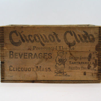 Vintage Wood Crate / Vintage Pop Crate / Vintage Clicquot Club Crate