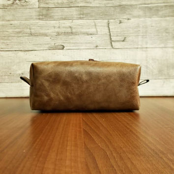 leather dopp kit, groomsman, wedding, personalized shaving bag, mens toiletry, travel, distressed leather, rustic, wash, brown cosmetic bag,