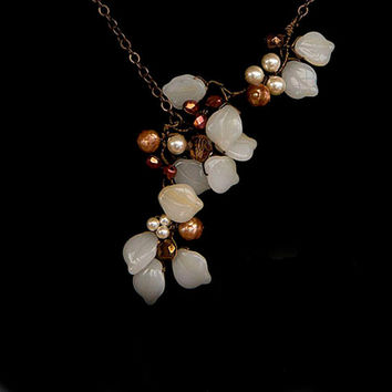 Cream and Brown Beaded Necklace, Leaf Necklace, Nature Jewelry, Autumn Jewelry