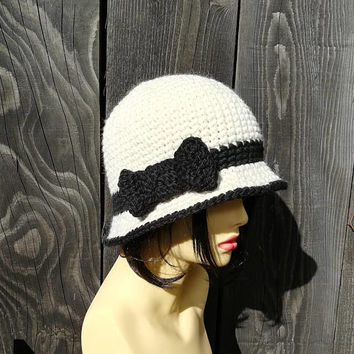 Cloche hat handmade ladies hat women hat bucket hat 1920 hat victorian hat Downton Abbey style felted hat style wool alpaca black hat Lilith