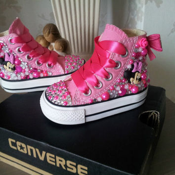 BABY gIRLS MINNIE MOUSE bLINGED chucks