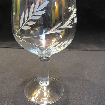 Etched Wine Glasses, 1950's Stemware, Barware, Hand Etched, Set of 6  (1577)