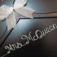 SALE / personalized Bridal hanger/ perfect bridal shower gift, bridal party gift. one Line