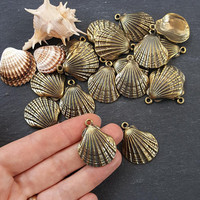 Bronze Shell Charms, Scallop Shell, Cockle Shell, Seashell Charms, Clam Shell, Shell Pendant, Beach Charm, Antique Bronze Plated 2pc