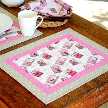Quilted Placemats - Pink Grey Placemats - Fabric Napkins - Floral Table Mats - Set of 2 placemats 2 Napkins - Anniversary Gift