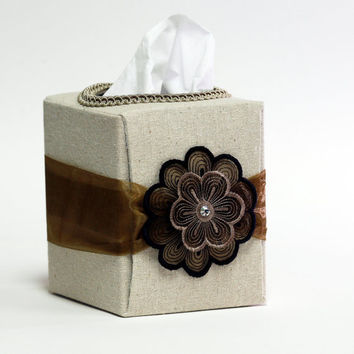 Refillable tissue box for home or office by SuziesImaginarium