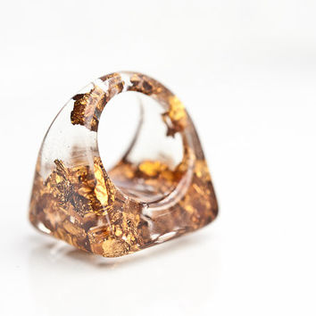 Resin Ring Copper Gold Flakes Square Shape Chunky Cocktail Ring OOAK size 6.5 glam brown fashion rusteam