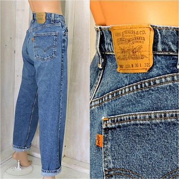 Vintage 70s / 80s Levis / LEVI'S orange tab jeans 30 X 32 / made in USA /  high waisted straight / Loose fit / mens / womens size 6 / 7