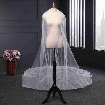 ONETOW Kiwarm 4M White/Ivory Luxury One Layer Beaded Sequins Lace Edge Cathedral Wedding Long Veil With Comb for Handmade Material
