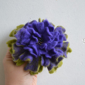 Wool Felt Flower Pin Violet and Light Green Ombre - Winter Coat Accessory - Handmade Felted Brooch - Purple Lilac