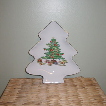 Vintage Christmas Tree Dish, Small Plate, Candy Dish, Cookie Plate, Holiday Serving, Holiday Entertaining