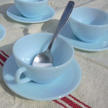 Set of 4 cups in lovely blue Duralex glass