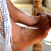 "Women Barefoot Sandal ""Queens Pearl "", wedding sandals, wedding barefoot, soleless sandals, ankle jewelry, foot jewelry"