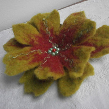Felted brooch,felted flowers,green brooch,red jewelry, silk flower brooch, spring gift, green felt flower poppy brooch,green wool dress,hat